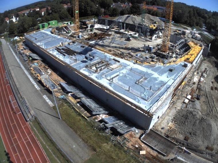 Betonierung der ersten Deckenabschnitte der Ebene 0 Bild: KU Eisstadion Kaufbeuren AöR